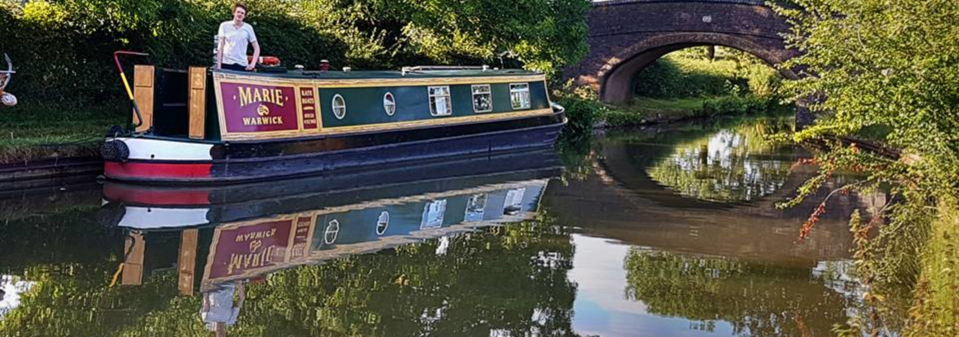 Experience the Magic of a Canal Boat Holiday and hire a narrowboat